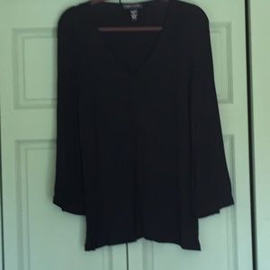 Cable and Guage black long sleeve flowy top. XL